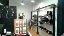 Oinak-tienda-física-Madrid-tallas-grandes-zapatos